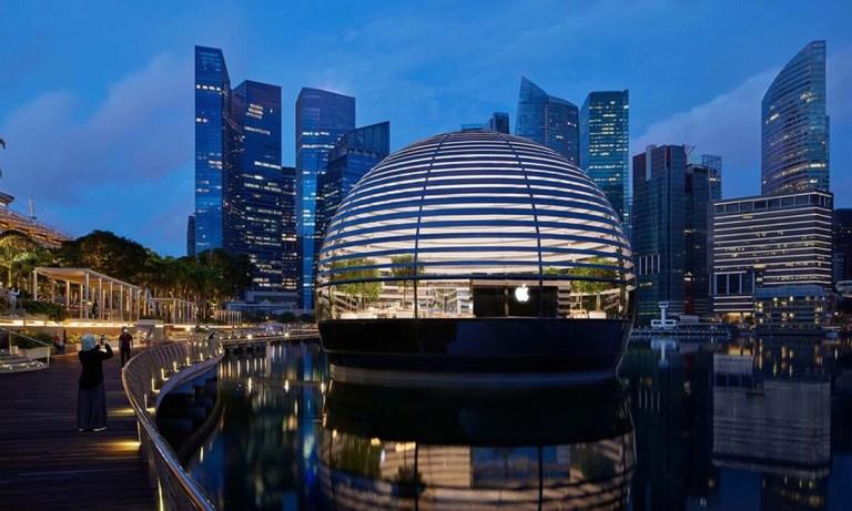 La nueva tienda flotante de Apple en Singapur