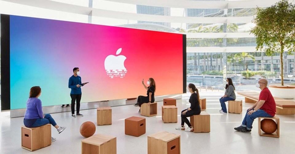 Cómo es la tienda flotante de Apple en Singapur
