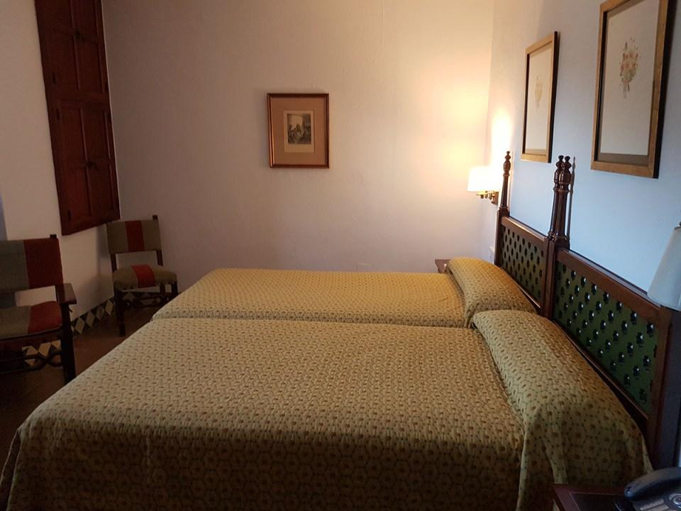 Parador Castillo de Santa Catalina habitaciones malditas de hoteles de España