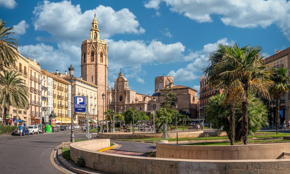 lugares para visitar en Valencia: plaza de la Virgen