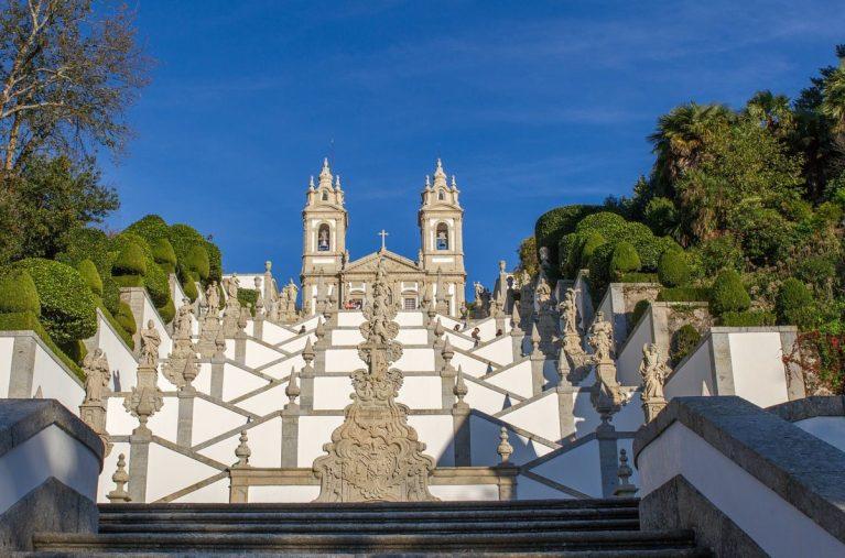 Si estás buscando sitios que ver en Braga, te contamos que todos están llenos de historia