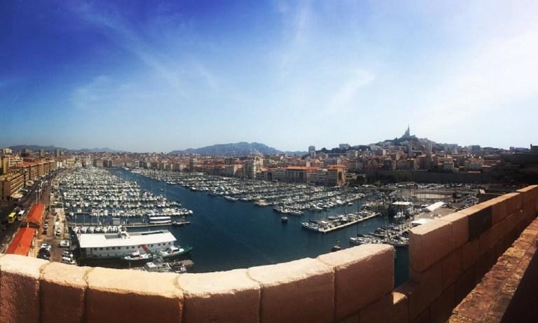 El puerto es uno de los sitios imprescindibles que ver en Marsella