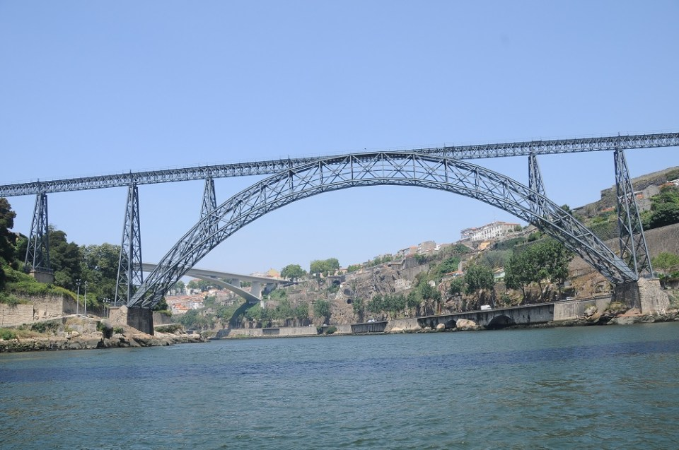 El puente de María Pia fue construido por la empresa de Gustave Eiffel, el mismo que edificó la Torre Eiffel en París