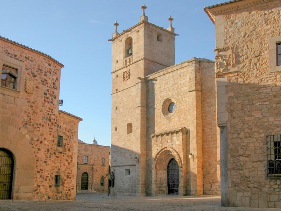 La concatedral es uno de los imprescindibles que ver en Cáceres