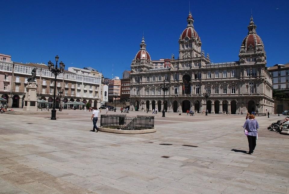 La plaza de María Pita es el centro neurálgico de La Coruña