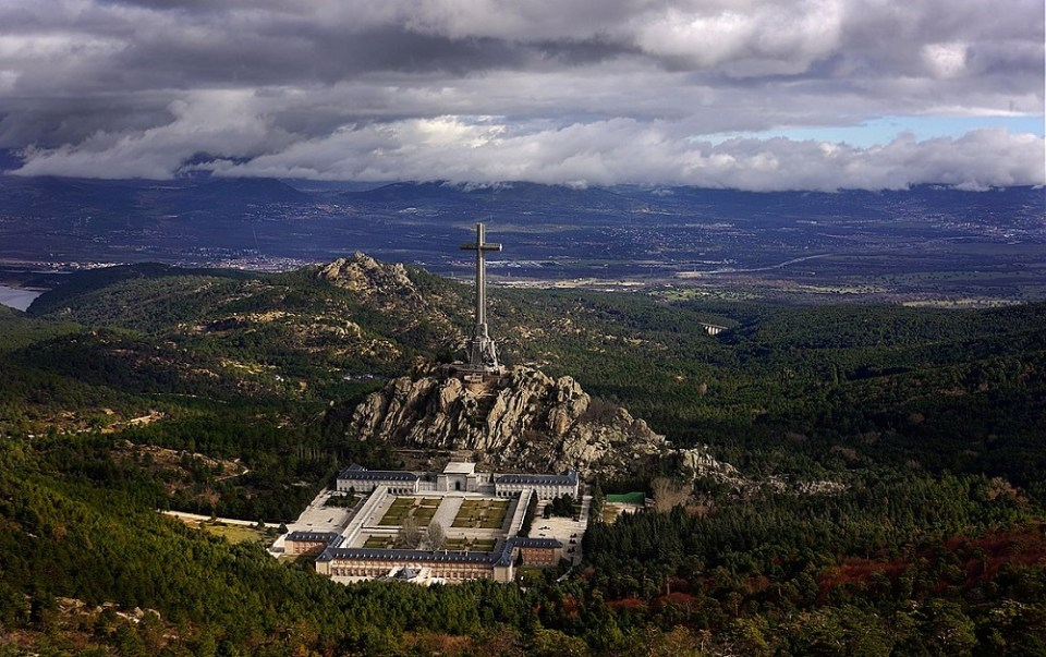 El Valle de los Caídos es uno de los monumentos que puedes visitar en San Lorenzo de El Escorial