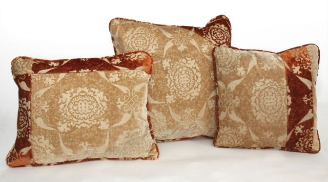 Quando nascono i cuscini decorativi in tessuti pregiati