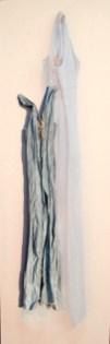 arch.n. 888 vest jeans vestito resinato + riproduzione fotografica su tela applicata a tavola cm 220 x 71, anno 2009