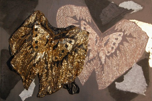 arch.n. 871 farfalla maglia resinata + riproduzione fotografica su tela applicata a tavola cm 71 x 105 – anno 2009