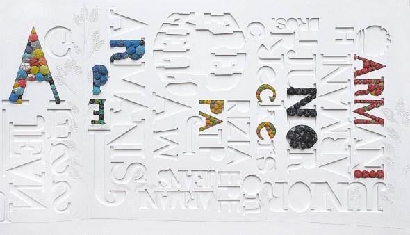 arch. n. 1.217 A-Per Pace No Armi collage di PVC, incisione, tessuto, ferro ,cm 112x196, anno 2015