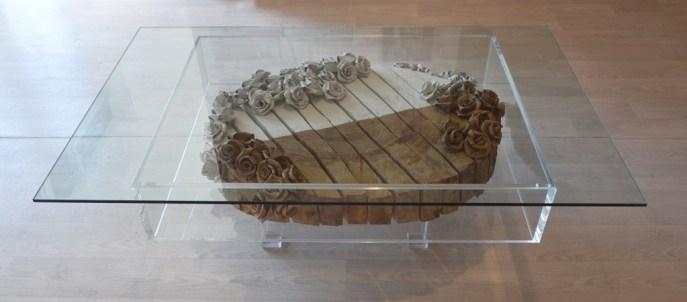arch. n. 1041 Metamateria n. 9, La Valle sacra cm 82x135x43 H, legno platano + rose in noce + struttura in plexiglass e cristallo sopra.