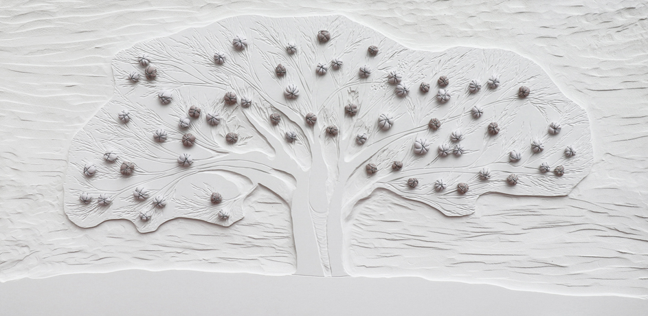 Arch. n. 1.535 Albero dai Buoni frutti, incisione-scultura su PVC + tessuto compattato e resinato, cm 61 x 126, Anno 2018