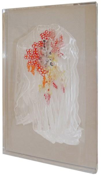 arch.n. 974 Daimon florens incisione su plexiglass + fondo specchiato + pittura olio – 2011– cm 57 x 5 x h 88 Catalogo ed. Bozzetto e catalogo Art&Media