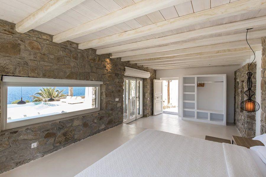 Kymothoe-villa-bedroom1