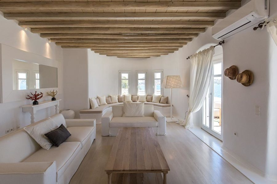Kymothoe-villa-living-2