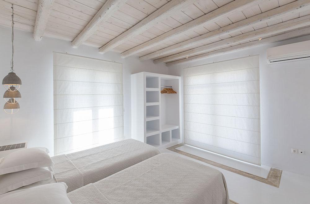 Okyroe-villa-bedroom4