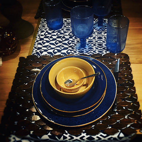 table setting, sfumature Blu e Arancio