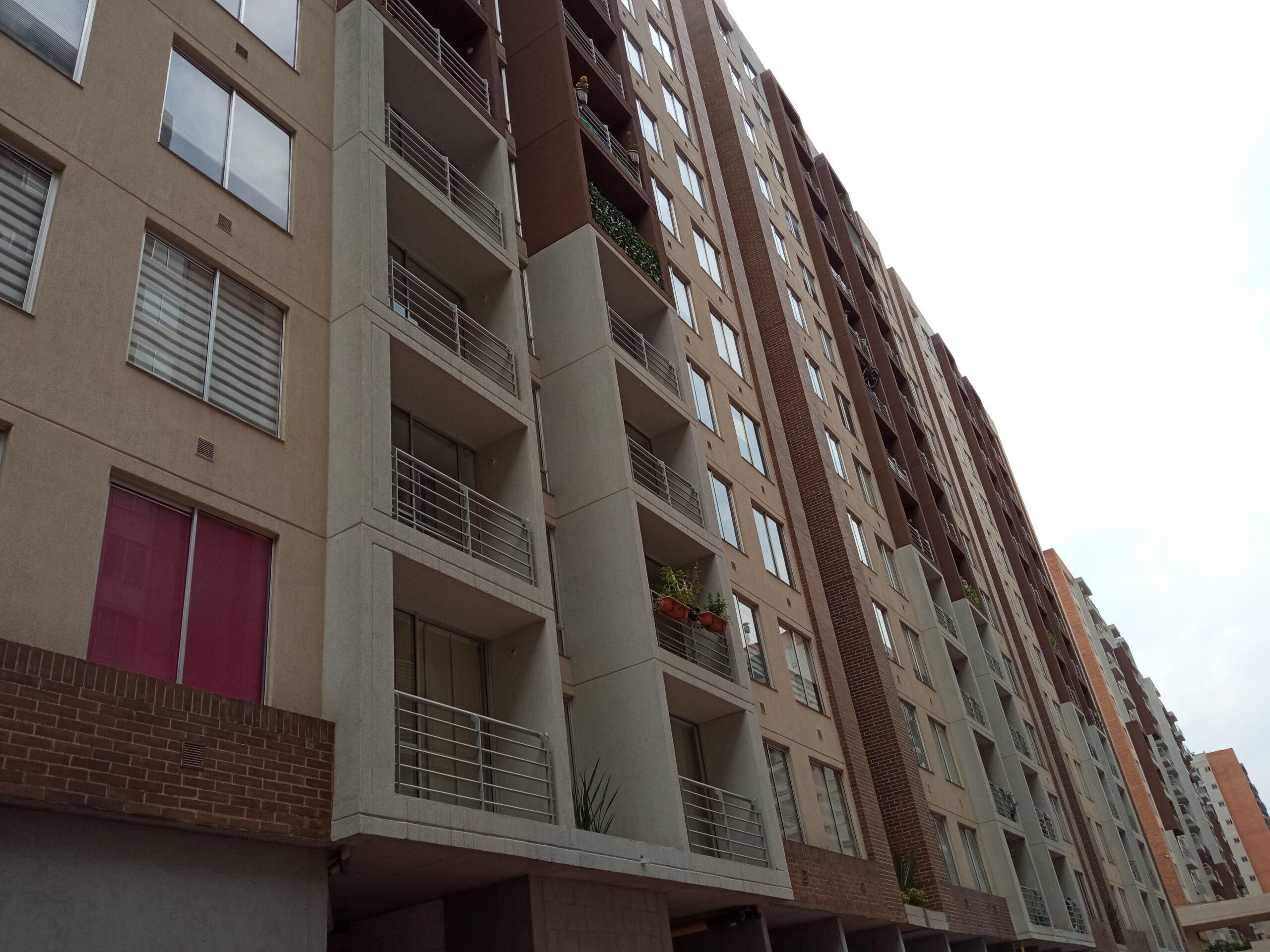 Apartamento en Pinos de Lombardía