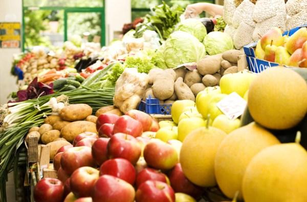 A maior parte dos alimentos consumidos pelos brasileiros está contaminada por pesticidas