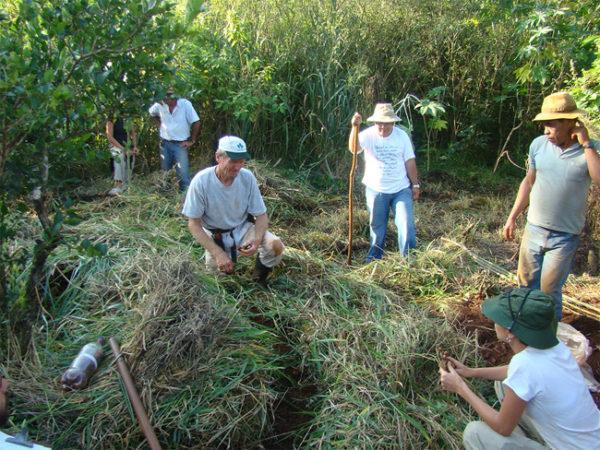 Ernst Gotsch ministra vários cursos de Agricultura Sintrópica no Brasil. Informe-se no site sobre a programação das aulas.