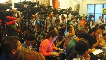 Journalists covering an event (Lito Ocampo/CMFR)