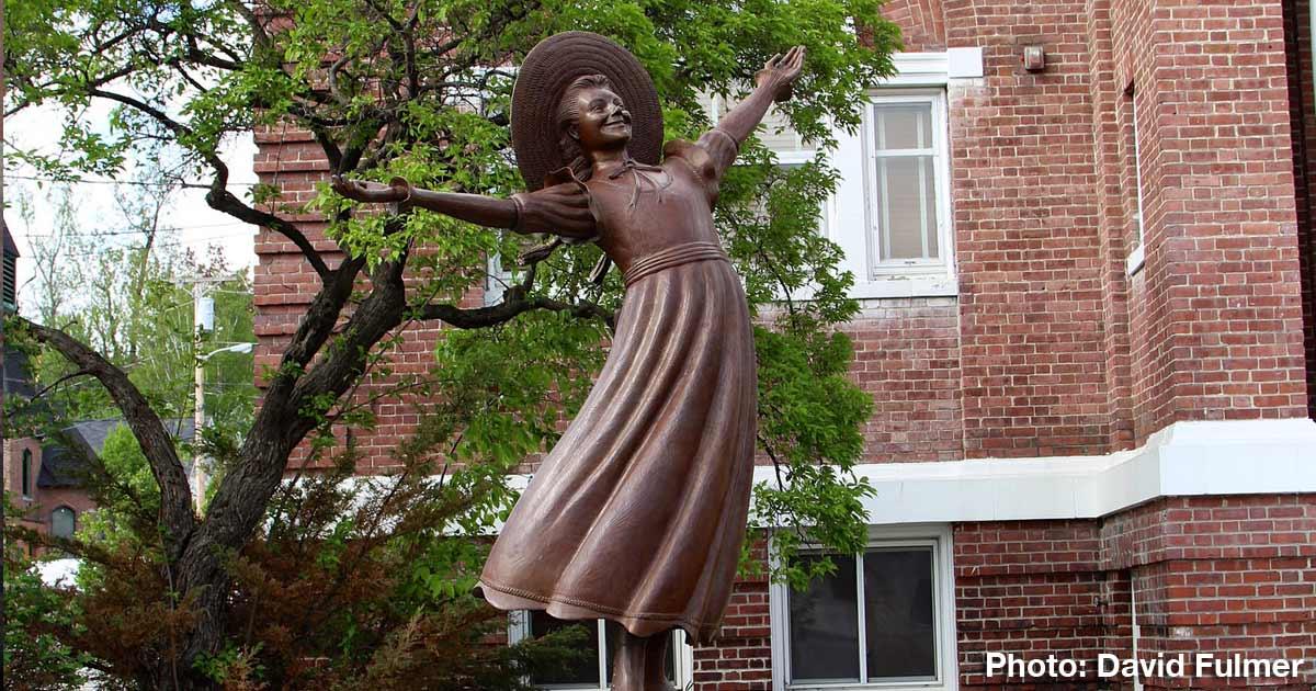 Statue of Pollyanna
