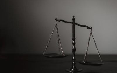 Moradora indenizará família de zelador por discriminação