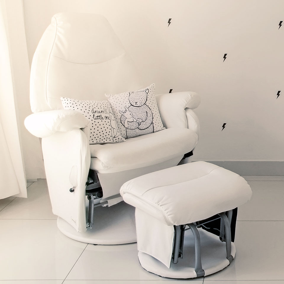 Vogue Feeding Chair  Lullaby Rock
