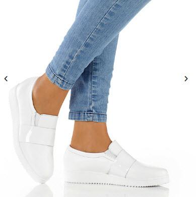 d8618eeb876c9a pantofi slipper din piele alba cu talpa platou cu design modern