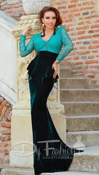 rochie de seara de culoare verde inchis din dantela si catifea cu trena