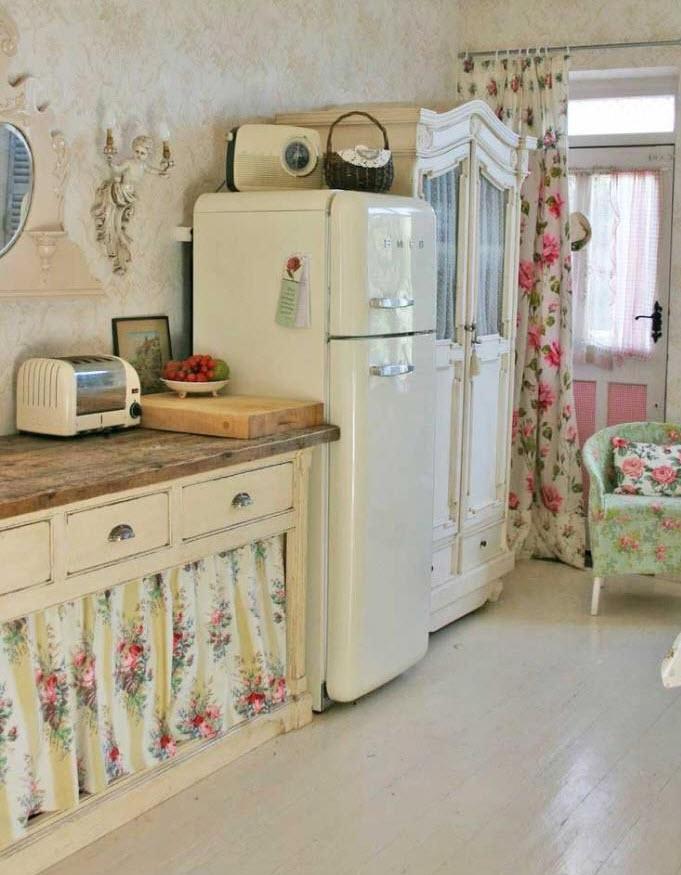 bucatarie vintage cu frigider smeg