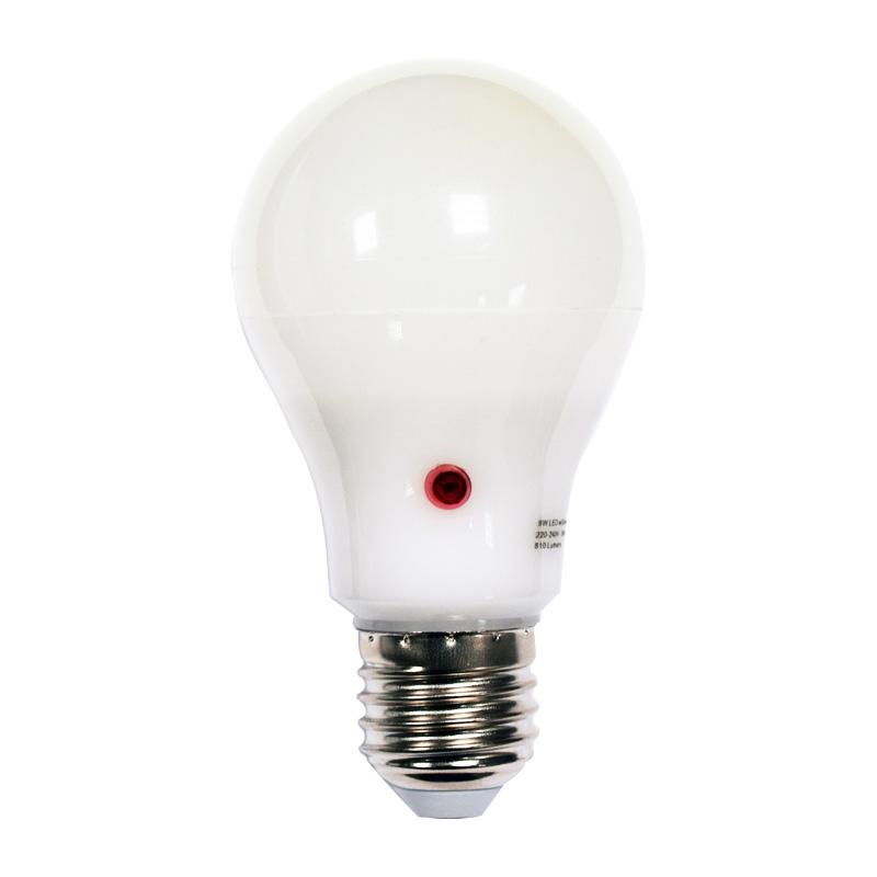[dusk till dawn light bulbs]