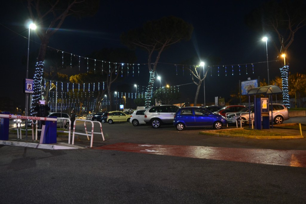 (Foto 15 -15) Piogge a led con strobi (visiona video)