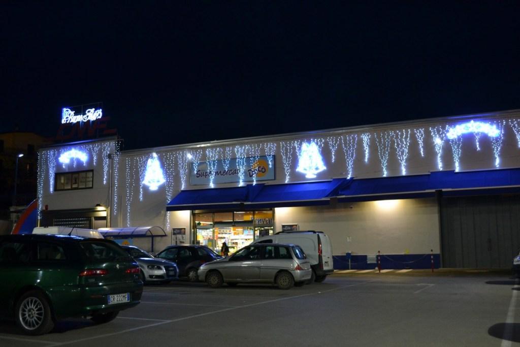 (Foto 15- 38) Parete effetto stalattiti con fontane di stelle disponibili varie combinazioni e colori)