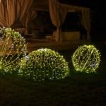(Foto 16 -29b) Giardino con Sfera bianco caldo da 40-50-100 cm (visiona video)