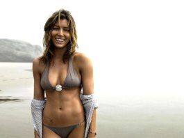 Jessica Biel on the beach