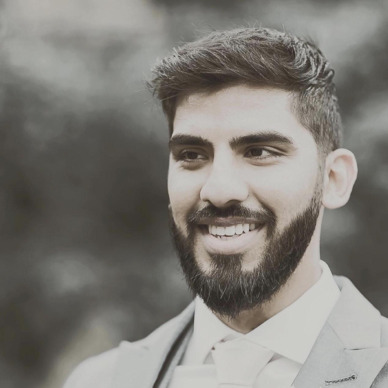 Dr Aadil Kasia
