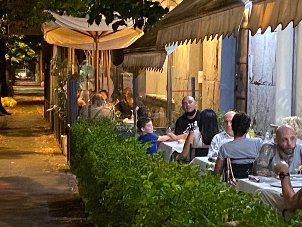 Ristorante di Pesce con Dehors a Parma Luna Blu: anche Pizzeria con Forno a Legna Parcheggio Wifi Cucina Casalinga
