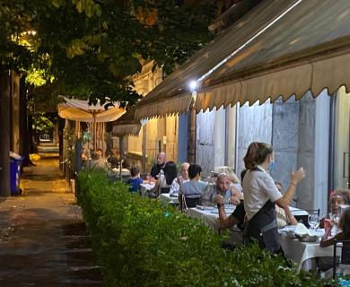 Restaurant Pizzeria for Groups and Families in Parma.. Typical Dishes, Fish and Wood Oven | LUNA BLU WiFi Parking Near the station Dehors