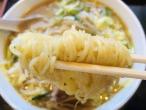 食堂いちばん 味噌ラーメン 麺リフト