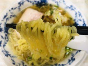 鳳龍飯店 半ラーメン 麺リフト