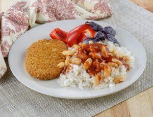 שניצל צמחי עם אורז ושעועית לבנה