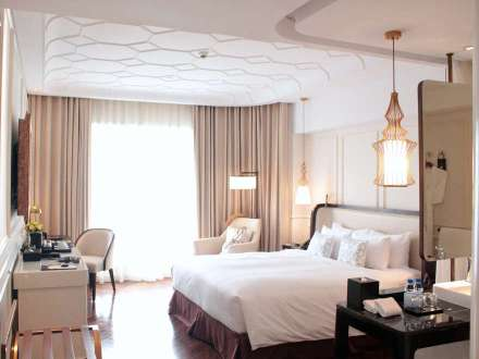 Stunning yet comfortable luxury - the deluxe room at MGallery Collection's Hotel Des Arts Saigon.