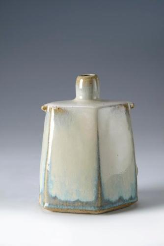 Thrown Faceted vase. 16 cm. 2013.