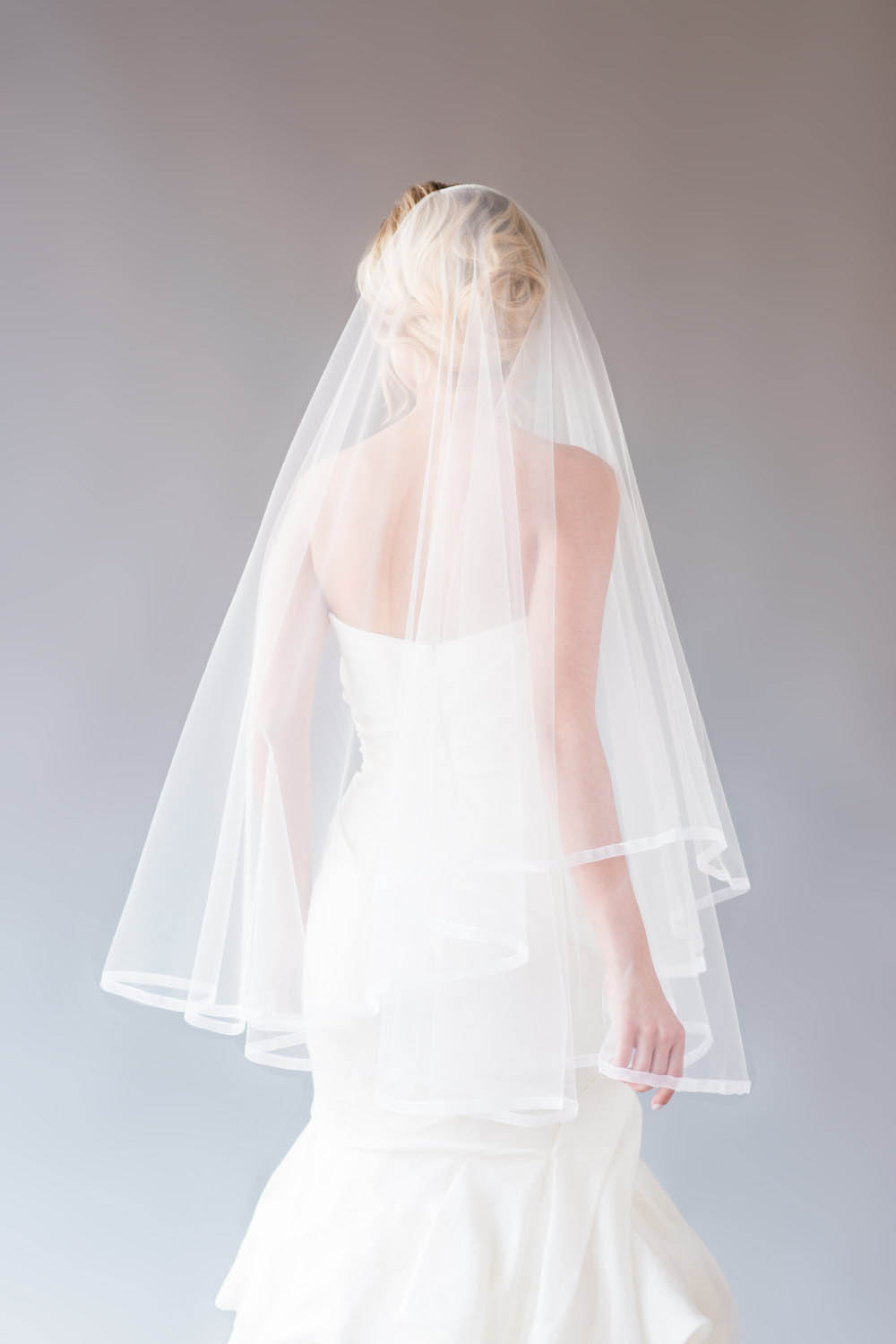 Onetier Fingertip Length Vintage Ivory Tulle Bridal Veil Pencil Edge  Lunss Couture
