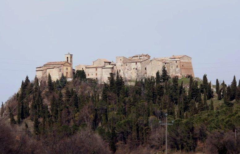 Castello di Precicchie  Comune di Fabriano AN