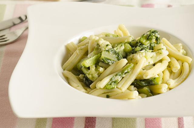 Caserecce o Rigatoni alle foglie di broccoli