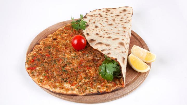 Lahmacun o pizza turca