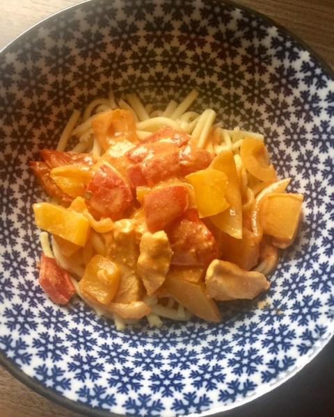 angerichtet - Hähnchen-Paprika-Geschnetzeltes