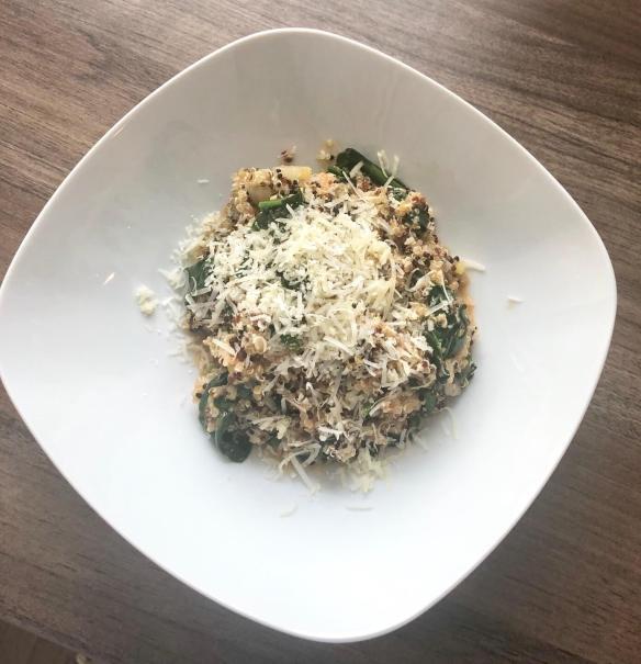 Quinoa-Spinat-Bowl
